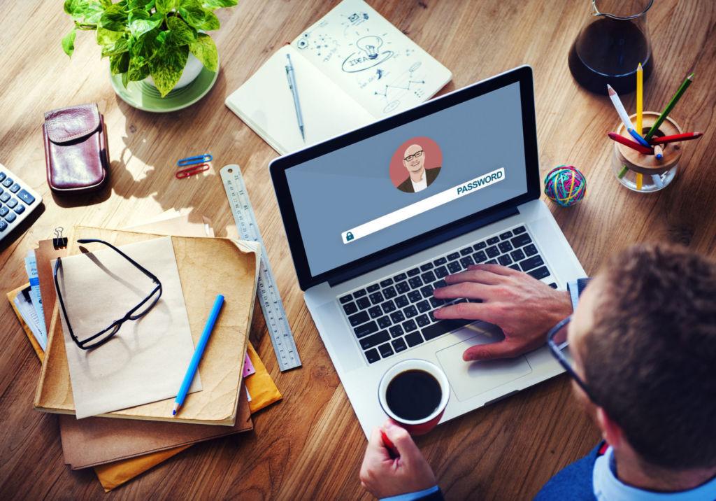 Las ventajas de la formación profesional online, clase ejecutiva uC, excelencia académica UC, e-learning