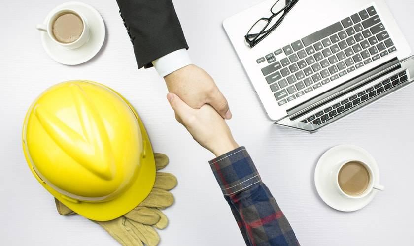 estrategia de contratacion efectiva riesgos