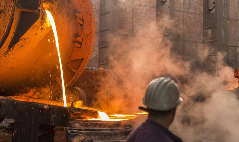 curso emprendimiento en la minería, productos y servicios mineros, industria minera, clase mundial,