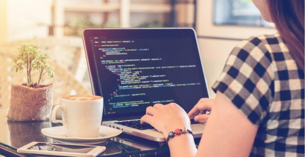 aprender a programar, programación, diplomados online Clase Ejecutiva UC