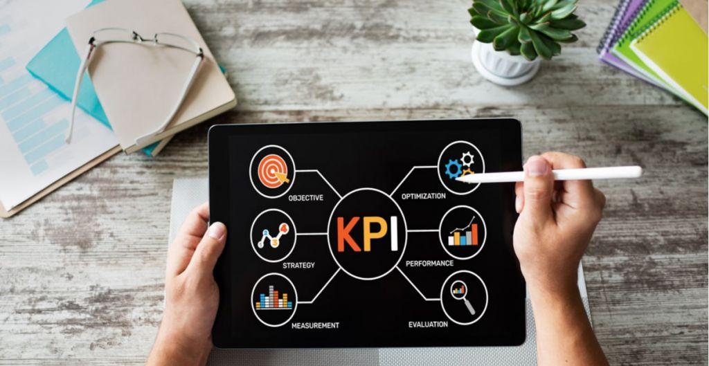 KPI, indicador clave, key performance indicator, estrategia, objetivo estratégico, KPIS, curso sobre control de gestión Clase Ejecutiva UC, diplomados UC online